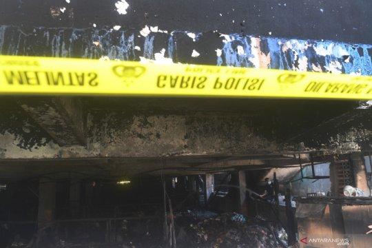 Toko elektronik di Pasar Minggu terbakar diduga karena puntung rokok