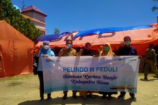 Pelindo III bagikan 3.000 paket untuk korban bencana NTB-NTT