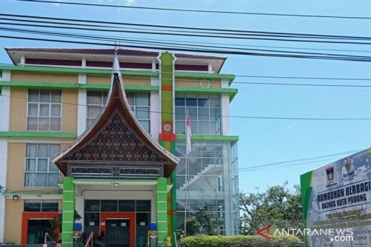 Baznas Padang sediakan sembako untuk fakir yang rajin ibadah ke masjid