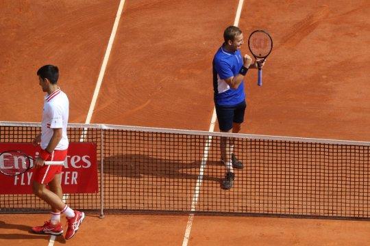 Evans beri kejutan dengan kalahkan Djokovic di Monte Carlo