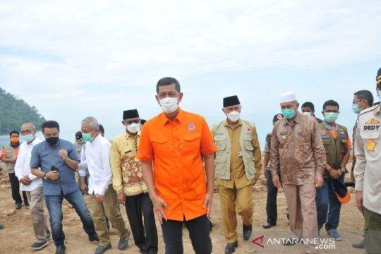 Kepala BNPB sarankan Gubernur Sumbar buat aturan vegetasi pantai