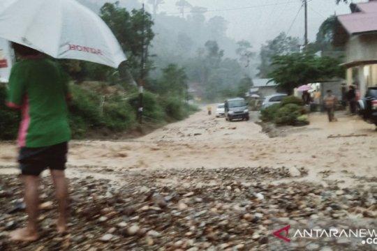 Jalur Kerinci-Bangko terputus kembali akibat Longsor di Muara Emat