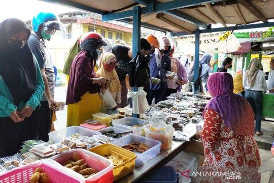 """Di Nunukan, warga perbatasan RI-Malaysia """"ngabuburit"""" berburu takjil"""