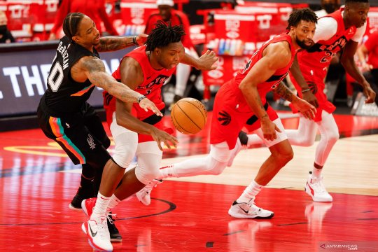 Toronto Raptors taklukkan San Antonio Spurs 117-112