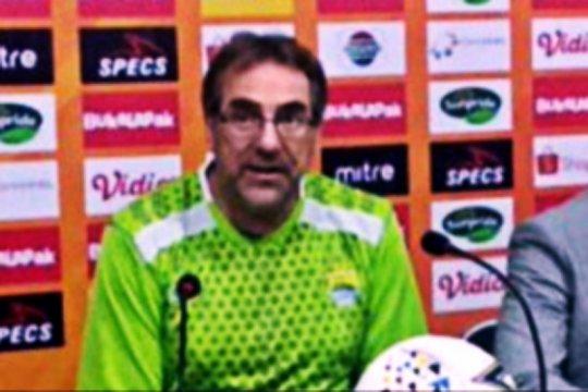 Pelatih Persib: PSS diuntungkan main di kandang