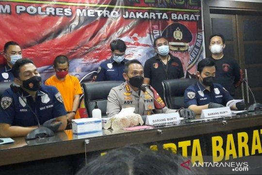 Terbelit utang, pegawai toko gasak 14 unit Iphone di Cengkareng
