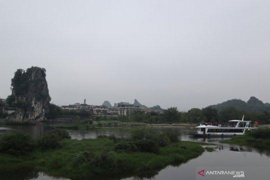 Bandara Guilin dipadati penumpang selama libur panjang San Yue San
