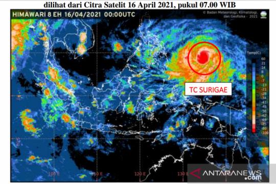 BMKG harap warga mewaspadai cuaca ekstrem akibat badai Surigae