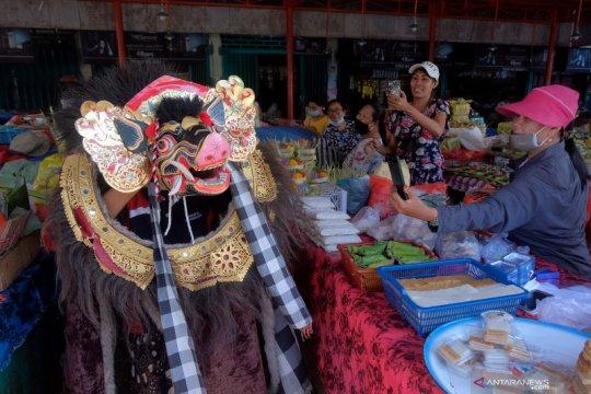 Tradisi Ngelawang rangkaian Hari Raya Galungan