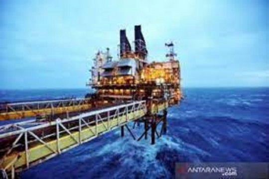 Virus melonjak di India, harga minyak jatuh dari tertinggi satu bulan