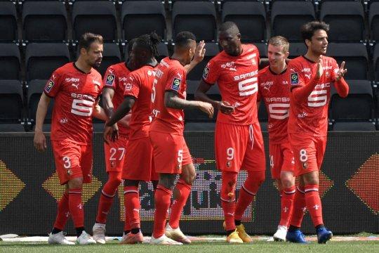 Rennes lumat Angers 3-0