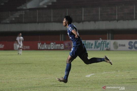 Penyerang Persib Bandung Frets Butuan fokus tatap Liga 1