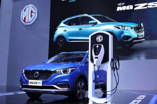 Kemarin, Gernas Literasi Digital meluncur hingga mobil listrik di IIMS