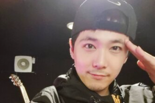 Lee Hong Ki FTISLAND sapa penggemar di instagram usai tuntaskan wamil