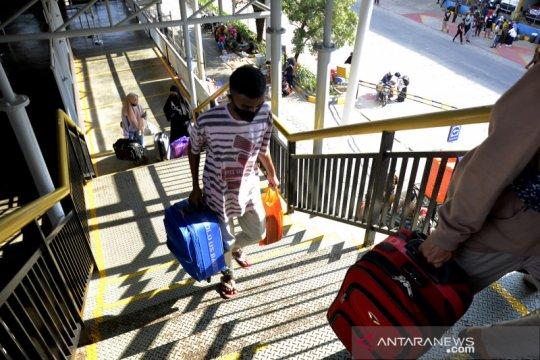 Mudik awal di Pelabuhan Sukarno Hatta Makassar