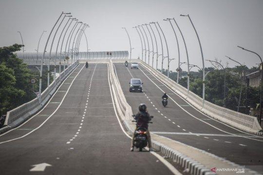 Jakarta kemarin, dari uji coba jalan layang cakung hingga soal SIKM