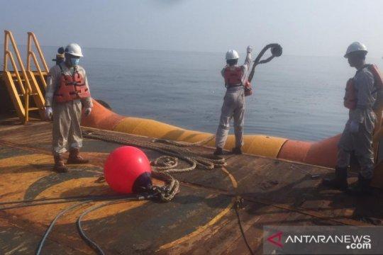 Pertamina kerahkan sejumlah kapal tangani kebocoran pipa di Karawang