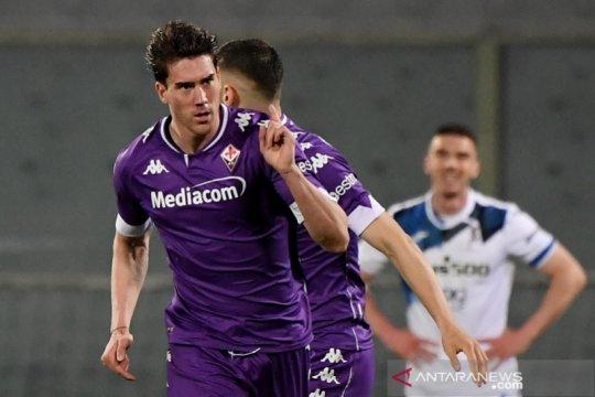 Dusan Vlahovic bawa Fiorentina jauhi ancaman degradasi