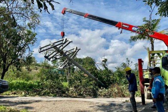 PLN pulihkan listrik 153 desa terdampak Seroja di Sumba