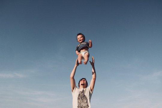 Hari Kartini dan kesetaraan gender, peran ayah dalam pengasuhan anak