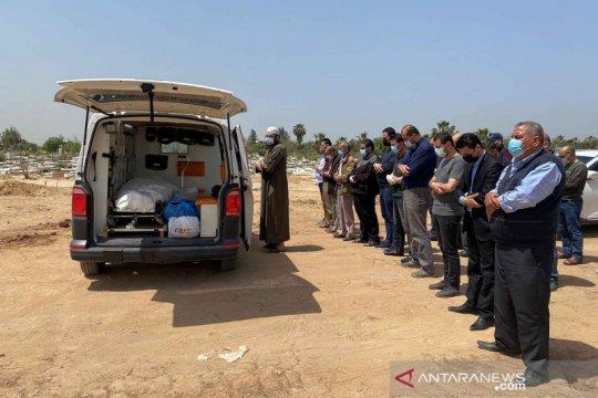 Pemakaman jenazah COVID-19 di timur Kota Gaza