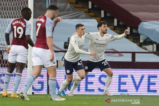 City taklukkan Villa dalam laga yang berakhir 10 lawan 10
