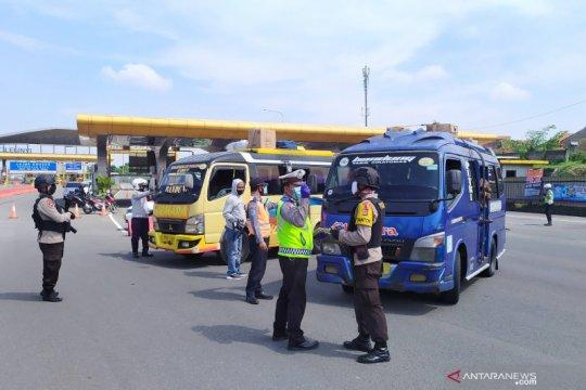 Polresta Bandung mulai penyekatan usai ada larangan mudik terbaru