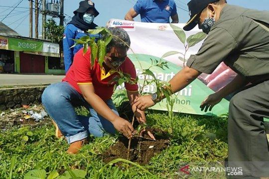 15.000 pohon ditanam Alfamart peringati Hari Bumi