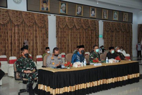 Gubernur Sumbar ingatkan kepala daerah tegas dalam penerapan prokes
