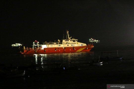Kapal SAR diterjunkan mencari KRI Nanggala