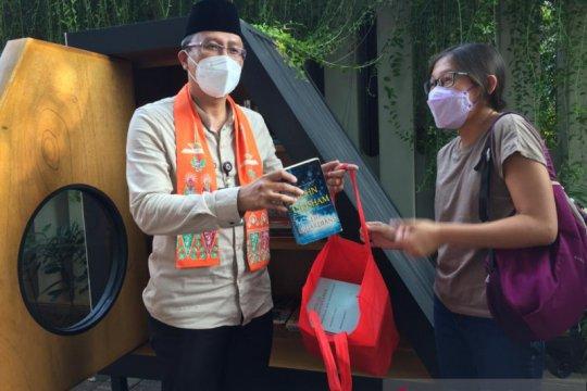 Warga Jakpus kini bisa pinjam dan sumbang buku di Taman Lembang