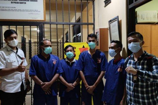 Polda Banten menetapkan lima tersangka perusak Gunung Liman