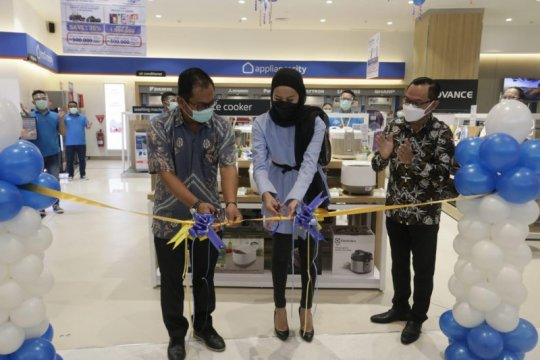 Electronic City buka cabang ke-62 di The Park Sawangan