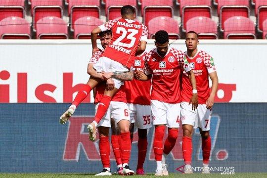 Mainz paksa Bayern tunda pesta juara