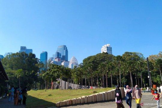 Cuaca DKI Jakarta cerah berawan pada Minggu pagi