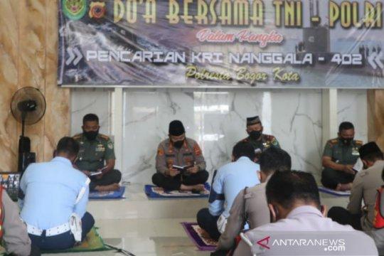Tentara-polisi di Bogor doa bersama untuk awak KRI Nanggala-402