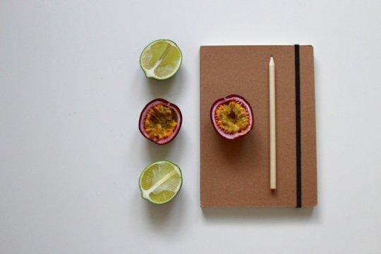 Buat jurnal makanan, cara awal mulai makan sehat selama Ramadhan