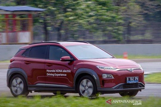 """Hyundai setop buat Kona EV untuk Korsel karena """"recall"""" baterai"""
