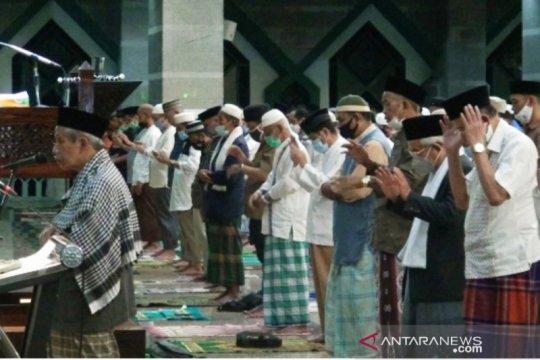 Jamaah Al-Markaz Makassar shalat gaib untuk awak KRI Nanggala-402