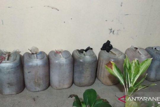 Polres Mukomuko sita ratusan liter tuak