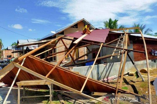 Puting beliung merusak 20 rumah warga di Aceh Timur