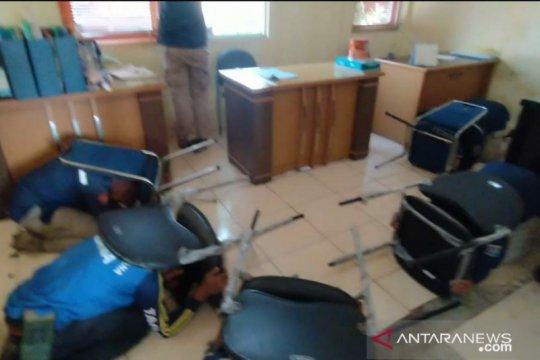 Pemkot Jakarta Utara menyimulasikan tata cara evakuasi bencana gempa