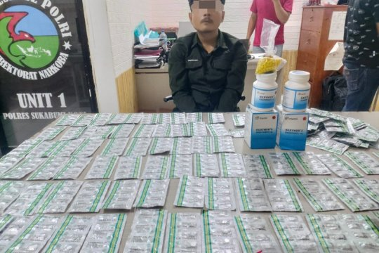 Polisi ciduk kurir hingga bandar obat keras
