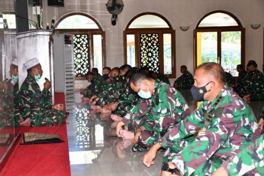 Lantamal IX/Ambon gelar doa bersama untuk awak KRI Nanggala-402