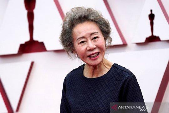 Gurauan Youn Yuh-jung di balik layar Oscar