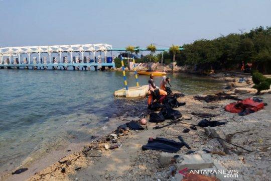 PHE ONWJ bersihkan Pantai Untung Jawa, merespons anomali lingkungan