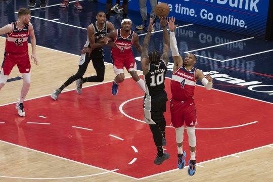 DeRozan pimpin Spurs hentikan laju kemenangan Wizards