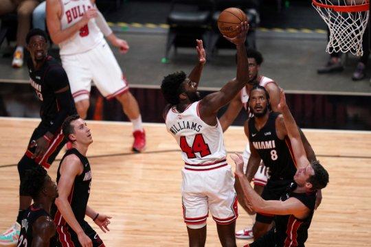 Bulls redam Heat, Timberwolves robohkan Jazz