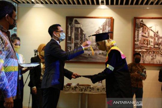 25 pekerja migran Indonesia di Hong Kong raih gelar sarjana