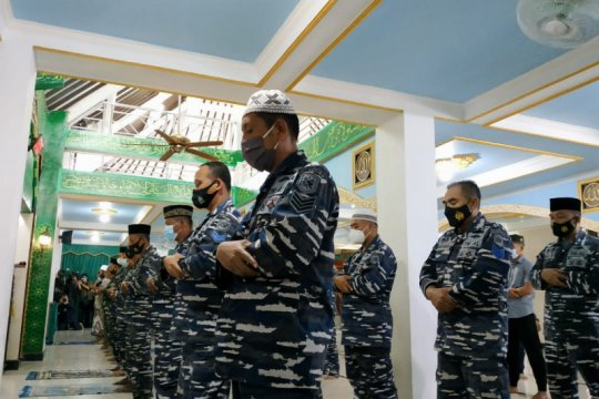 Pangkalan TNI AL Denpasar gelar doa bersama bagi kru KRI Nanggala-402
